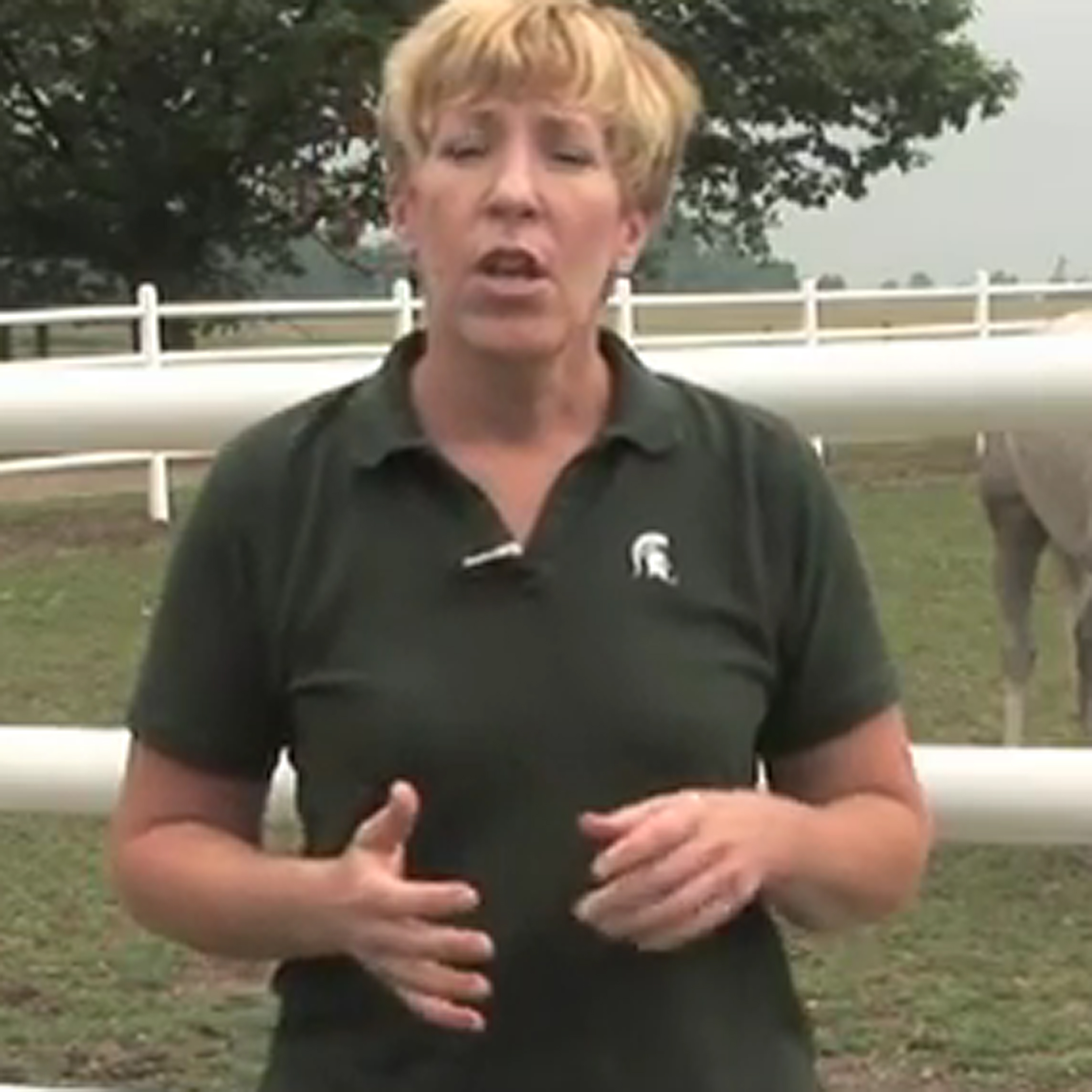 Video: Handling Your Mount When a Horse is Loose